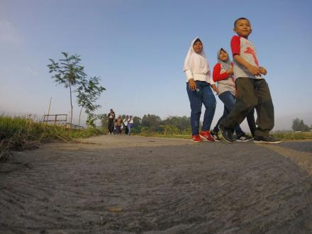 Lensa Warga: Jangan Ngebut! Jatuh di Aspal, Tak Seindah Jatuh Cinta