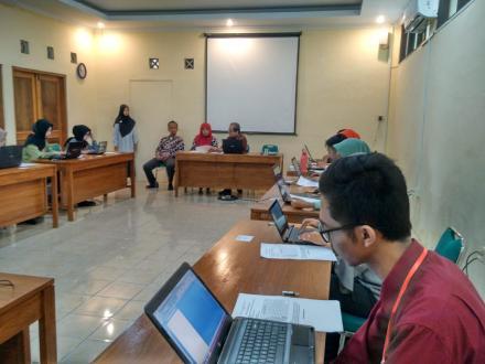 Tersisa 12 Peserta, Ujian Calon Staf Honorer Desa Wukirsari Berlangsung Lancar