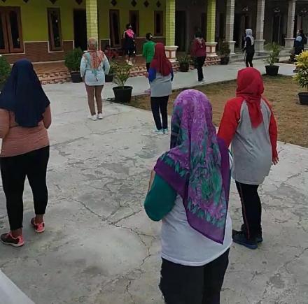 Jaga Kebugaran Tubuh ala PKK Dusun Karangtalun