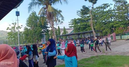 Senam Massal Meriahkan Peringatan Hari Ibu Desa Wukirsari