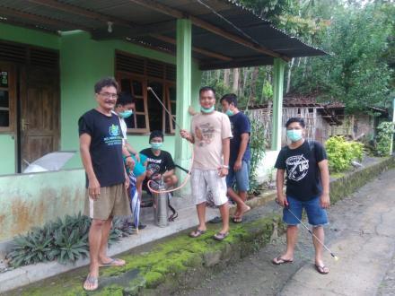 Giat Penyemrotan Disinfektan Pemuda Dusun Pundung