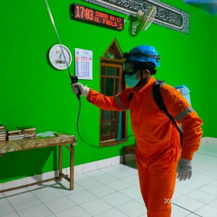 Siaga Virus Korona: FPRB Bima Sakti Adakan Penyemprotan Disinfektan